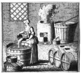 Woman_brewing_beer Berliner Weisse Summit