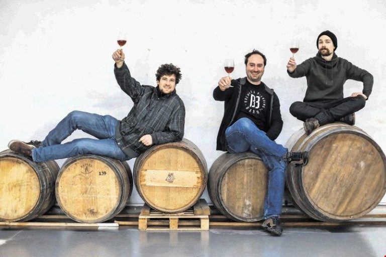 Barut Brwing and Blending three friends